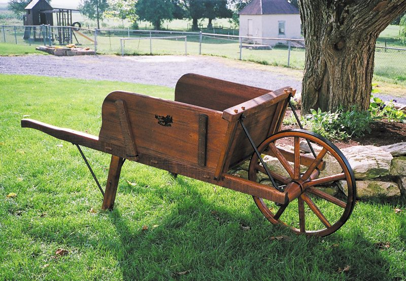 Old fashioned red wagon 57